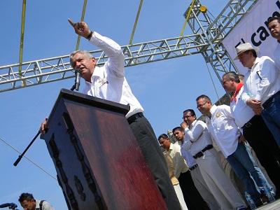 Andrés Manuel López Obrador dio a conocer su proyecto de nación en la explanada de san Agustín