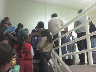 SE MANIFESTAROS PADRES DE FAMILIAS POR COBRO DE ACCESO AL GIMNASIO BICENTENARIO