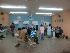 Sin contratiempos mayores se realizan las votaciones internas en el PAN