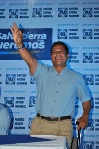 El candidato a diputado federal por el distrito diez, Raúl Gómez Ramírez,