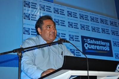 El Presidente del Comité Directivo Municipal de Salvatierra, Rafael Sámano Camarena