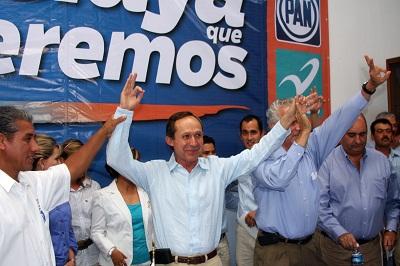 Presentan el PAN  y Nueva Alianza como su candidato a Ismael Pérez Ordaz