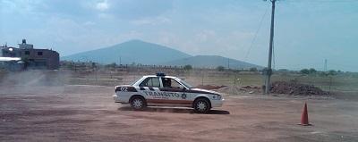 Dicho curso es impartido por personal de la Dirección de Tránsito y Transporte del Estado
