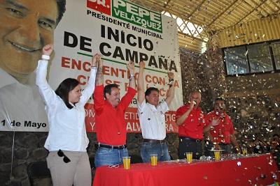 Ante más de 1200 priistas que conforman el ejército Tricolor, entre Estructura y clase política dio inicio  la campaña del candidato a la presidencia Municipal de Salvatierra José Herlindo Velázquez Fernández.