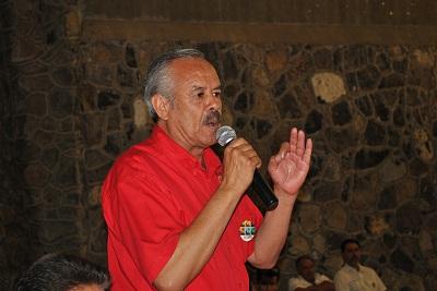 Fue apoyado por el Líder Estatal de la CNC Rigoberto Paredes Villagomez, quien llamo a los priistas a cerrar filas.