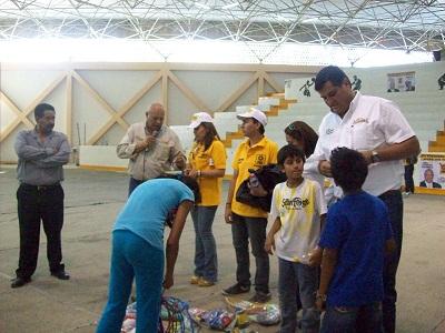 Con festejo a los niños abrió campaña el candidato del PRD a la alcaldía Eduardo LLampallas González