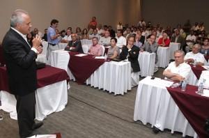 Juani dice generará 60 mil empleos anuales en su gobierno