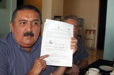 El coordinador de campaña del PRI, Alejandro Lara Rodríguez y el presidente del comité municipal Juan Kouhry, anunciaron que presentarán una denuncia formal en Fiscalía Especial para la Atención de Delitos Electorales (FEPADE)