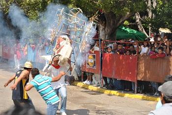 Coronaron a la Marquesa y lucieron los famosos toritos