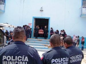 Personal de Seguridad Publica acudió a la Misa de cuerpo presente.