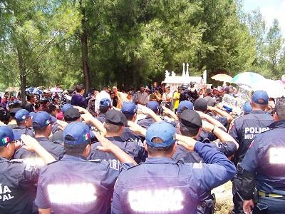 Rindieron homenaje póstumo al policía Manuel Chávez Sánchez