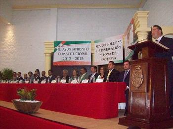 Cortazar Juan Aboytes Vera tomó protesta al igual que el resto del Ayuntamiento local para gobernar al municipio durante el periodo 2012-2015