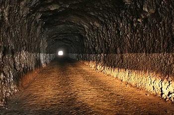 se decía que había una serie de túneles que comunicaban a los templos de Salvatierra