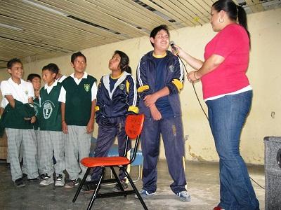 Al término los estudiantes expresaban los mensajes que aprendieron con el contenido de las obras de teatro.