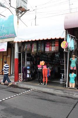 La tienda se ubica en el corredor comercial.