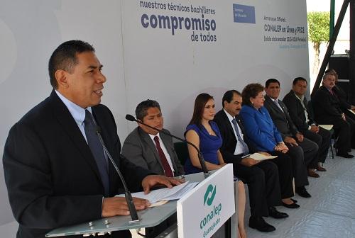 El presidente municipal de Salvatierra, Rito Vargas Varela, fue anfitrión del acto de arranque de tres programas de innovación en el CONALEP