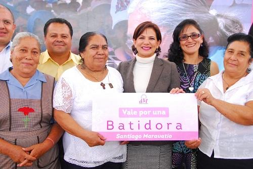 La presidenta de DIF estatal María Eigenia Carreño de Márquez arrancó acciones en el sur del Estado que fortalecen la atención a los adultos mayores.