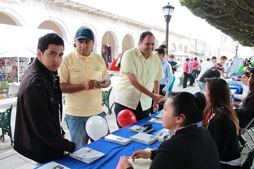 La Dirección de Desarrollo Económico y Turismo realiza la primera feria del empleo de la Administración 2012 – 2015