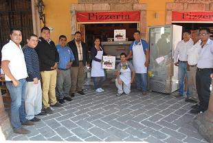 Esto fue gracias al programa de Fomento al Autoempleo, que atiende la Secretaria de Desarrollo Económico Sustentable del Estado de Guanajuato, por medio del Lic. Héctor López Santillana.