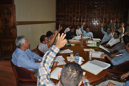 PAN Y PRI se unen para despedir a la contralora municipal misma que fue galardonada como la mejor de la región.