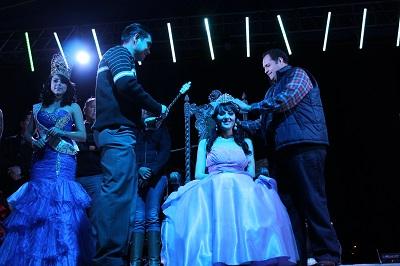 Tifanny I fue coronada en la inauguración de la feria.