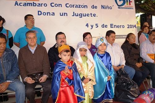 Arrancó el Kilómetro del Juguete en Acámbaro, para recaudar juguetes para los niños de escasos recursos económicos