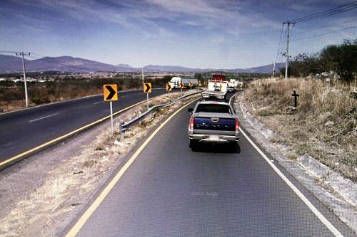 El accidente tuvo lugar en la última curva antes de llegar a cuatro caminos.