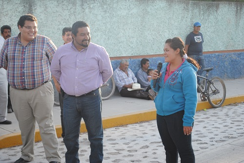 La C. Paulina, habitante de esta comunidad dio el agradecimiento al presidente municipal