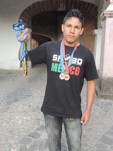 El joven Luis Adrián Camargo Cruz, de 17 años de edad participará en los próximos juegos panamericanos