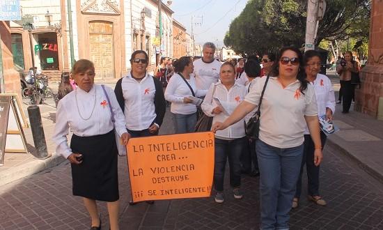 Conmemoran día internacional contra la no violencia hacia la mujer