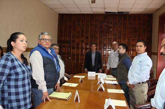 Este consejo también se integra por el Lic. Germán Cervantes Jefe de articulación V de la SEDESHU, Lic. Orlando Pérez Hernández Jefe del Centro de Apoyo para el Desarrollo Rural, representantes del IECA, el ITESS y la Universidad de Guanajuato.