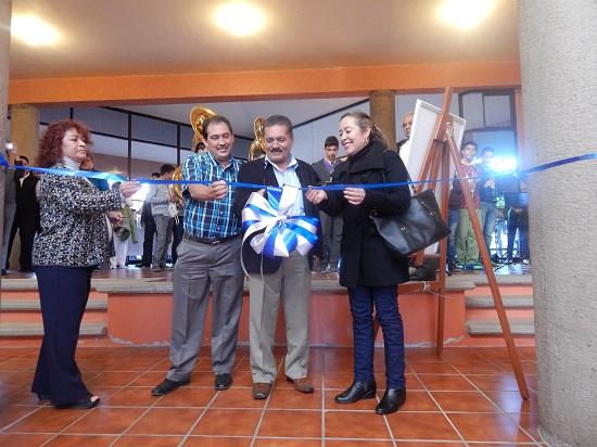 El alcalde municipal Ing. Rafael Ramírez Tirado en compañía de regidores del actual Ayuntamiento, funcionarios y público en general, inauguraron la exposición de la obra pictórica.