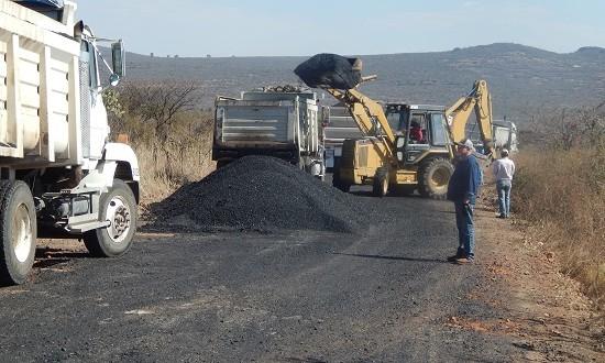 Inicio a la segunda etapa de rehabilitación del camino El  Terrero – Llano Grande