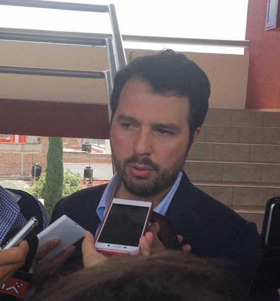 Después de anunciar los frutos que está dando la Reforma Educativa en México, el Delegado Federal de Educación en Guanajuato, Fernando Bribiesca señaló que Guanajuato logró el segundo lugar a nivel nacional en la Evaluación de Desempeño dentro de educación básica, sólo por debajo del estado de Aguascalientes.