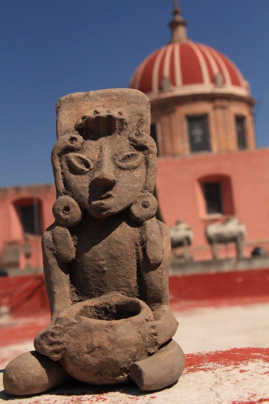 El regidor Erasto Patiño Soto, donó al archivo histórico Luis Castillo, piezas arqueológicas encontradas en una parcela que se encuentra en el ejido de san José del Carmen.