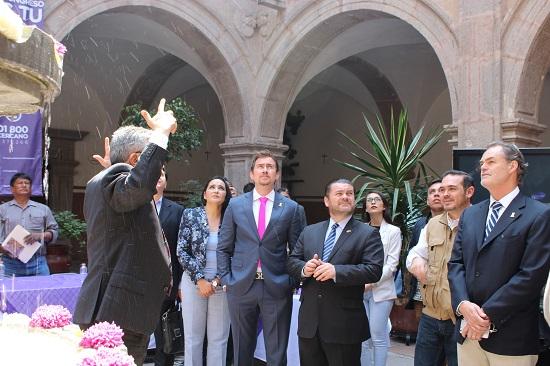 Por acuerdo de la Comisión de Turismo en el Congreso Local presidida por el Diputado Lorenzo Chávez Salazar, los legisladores realizan sesiones itinerantes para conocer la problemática y situación turística de los municipios, por lo que en esta ocasión sesionaron en Comonfort.
