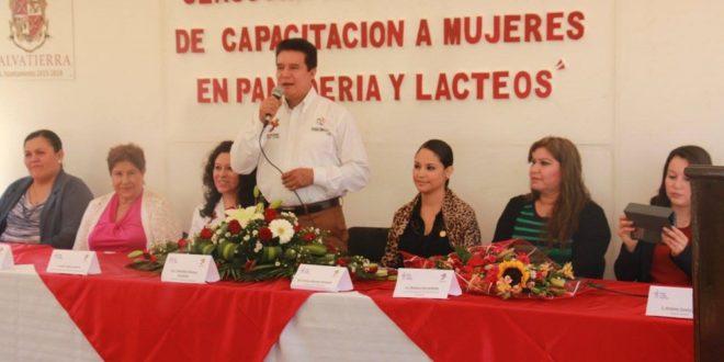 Clausura del taller de capacitación de productos lácteos y panadería.