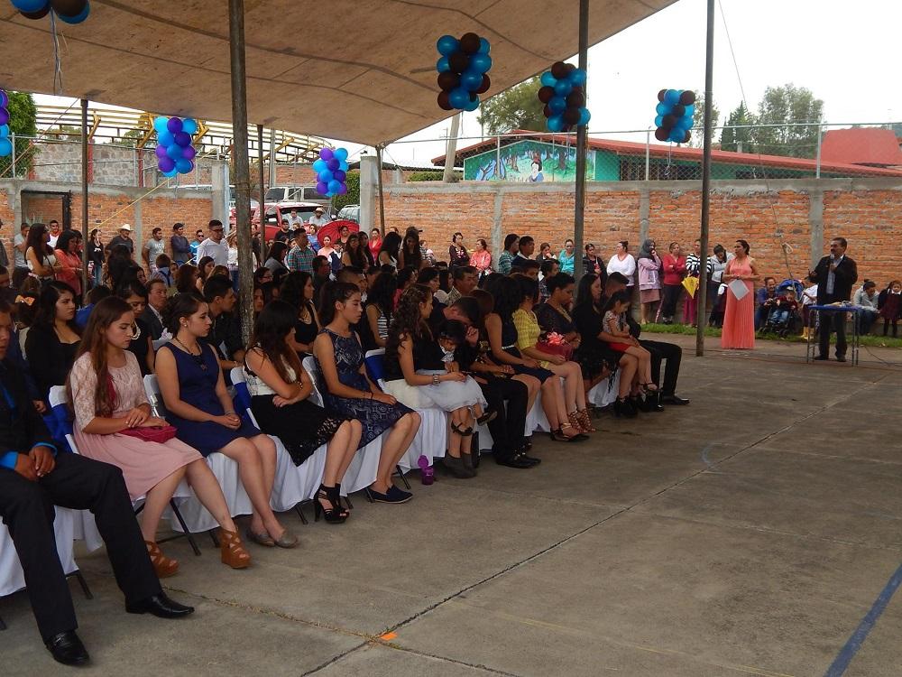En su mensaje el alcalde Ing. Rafael Ramírez Tirado, comentó que se siente orgulloso de que las nuevas generaciones se sigan esforzando por continuar con sus estudios y continuar preparándose en las universidades que se encuentran en el municipio