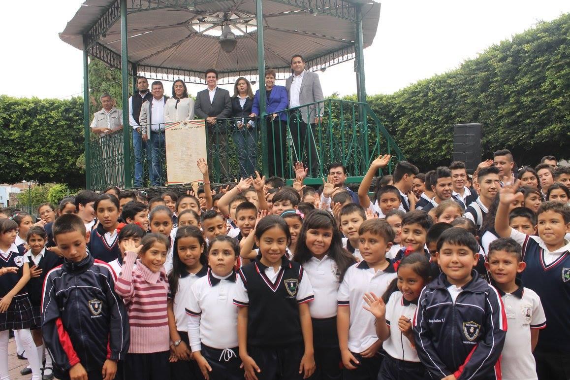 El Alcalde Pepe Velázquez Fernández, señaló que es de mucha importancia fomentar el amor por el país y su historia en las nuevas generaciones y que estas conozcan los hechos históricos que pasaron en el municipio.