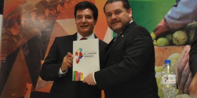 Rinde primer informe J. Herlindo Velázquez Fernández