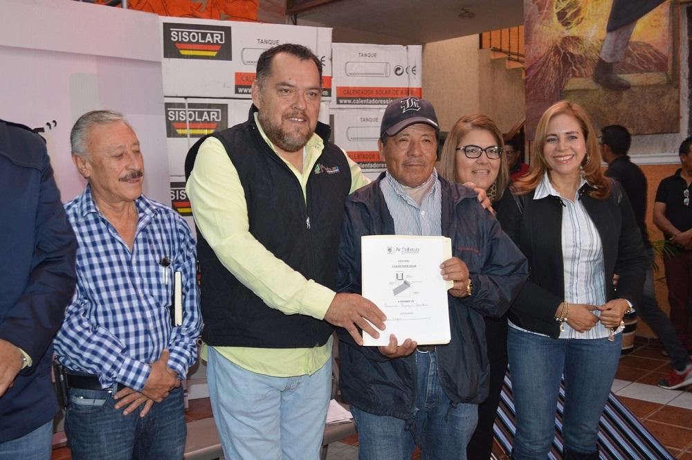 Una de las beneficiarias, agradeció a las autoridades el apoyo
