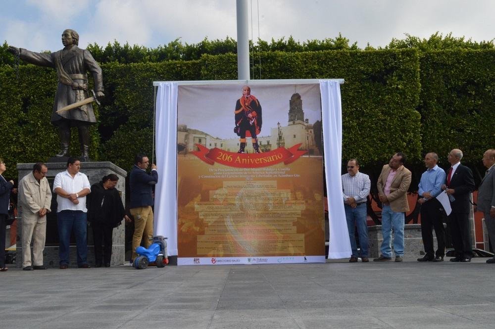 Develan Bando Solemne de las festividades de Octubre en Acámbaro.