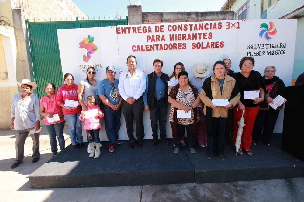 Velázquez Fernández, mencionó que es un compromiso de su gobierno ayudar a mejorar la economía de los salvaterrenses