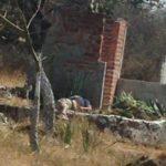 El cadaver lo localizaron los vecinos de la zona, el que reportaron a la policía y se presentó a verificar. Fin de la conversación