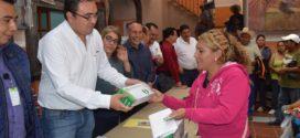 Se entregaron paquetes de focos ahorradores a 2000 familias
