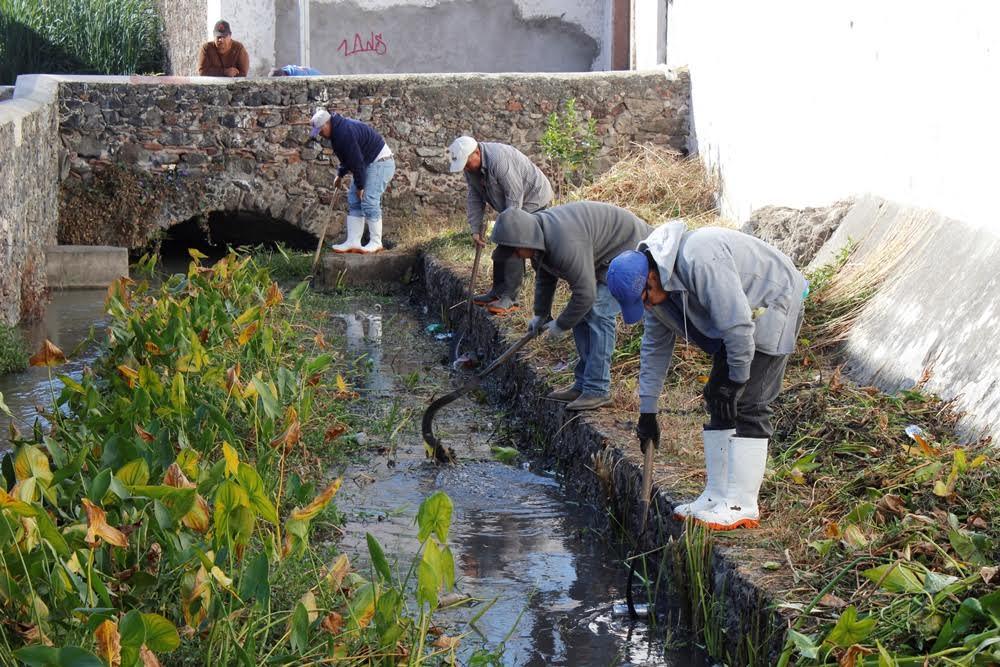 La idea de realizar la limpieza del canal, surge a partir de los recorridos que realizamos en el municipio