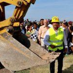 El alcalde Hugo Estefanía, supervisó los avances de obra de drenaje en la comunidad de la Cañada de Caracheo, en donde con presupuesto propio municipal, se aplican 442 mil pesos para beneficio de unas 250 familias.