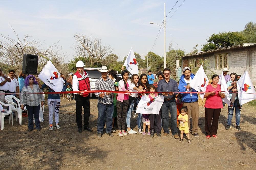 En el evento de inauguración de la obra se contó con la presencia del alcalde, J. Herlindo Velázquez Fernández y beneficiarios