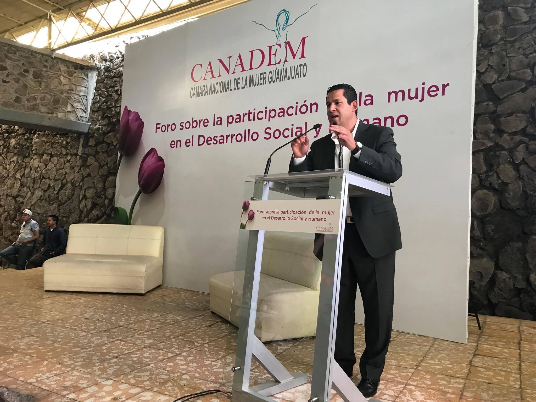Entre los ponentes del evento, el secretario de Desarrollo Social y Humano, Diego Sinhué Rodríguez Vallejo