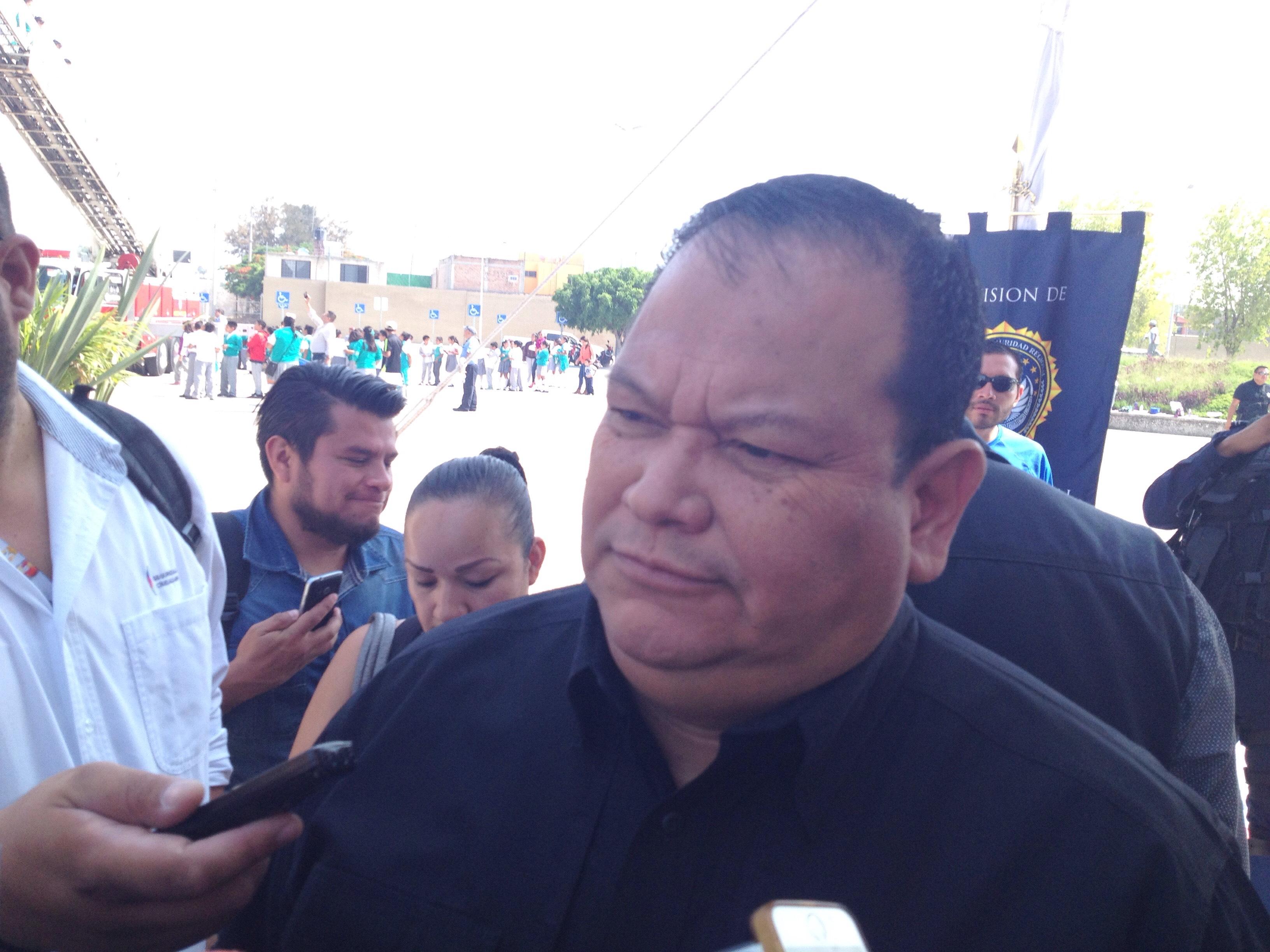 Vázquez Rivera, negó la posibilidad de que los efectivos municipales puedan importar sus armas de fuego mientras encuentran de descanso, por las reglas que pone el permiso colectivo con el que cuentan, sin embargo dijo que se les proporcionan recomendaciones para no ser objeto de dichos ataques.